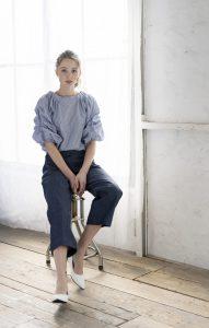 女性モデルのロケーション撮影