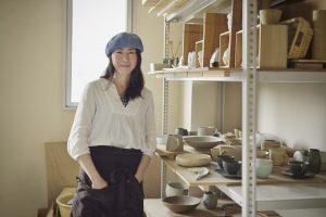 陶芸家の女性