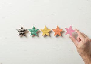 積み木でできた五つ星のレビュー