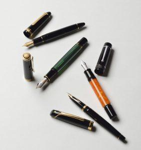 4本の万年筆
