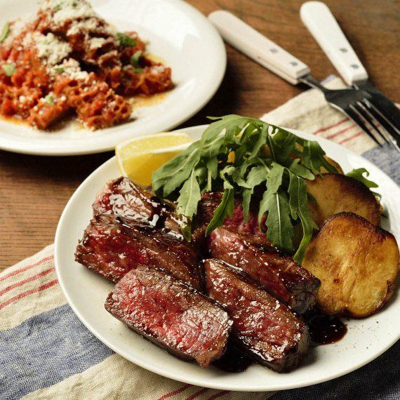 イタリヤ料理のステーキ
