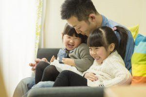 父親と仲の良い姉妹