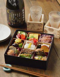 日本酒と料亭のおつまみ弁当