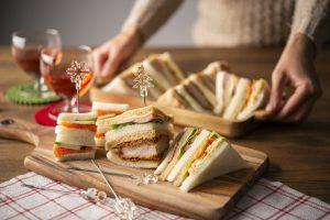 パーティ用サンドイッチの盛り付け