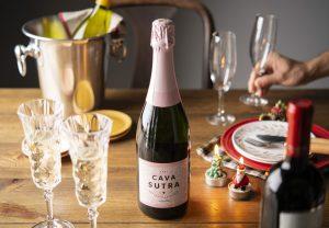 シャンパンでパーティの準備